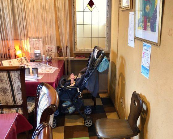デリー山室店で赤ちゃんと個室でランチをしているところ
