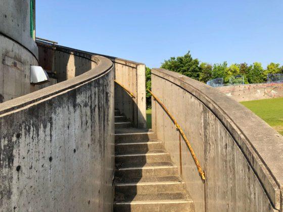 見晴らし台(トイレ)の階段