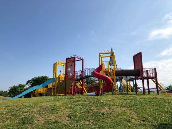 立山町総合公園の遊具