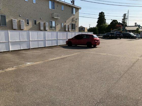 暮らし工房の駐車場