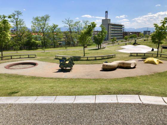幼児遊び場の全景