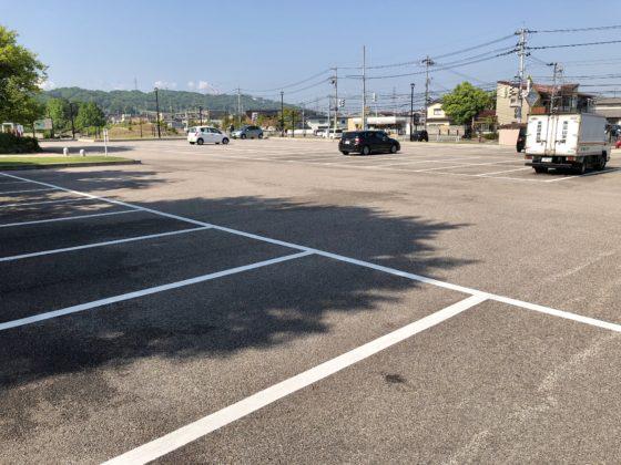 呉羽山公園 都市緑化植物園の駐車場