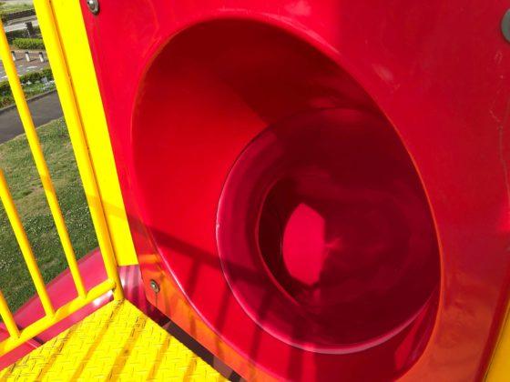 つむじ風滑り台の入り口