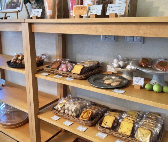 焼き菓子の販売コーナー